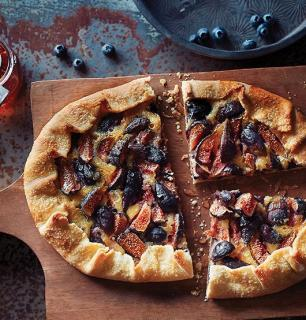 Fig and frangipane rustic pie